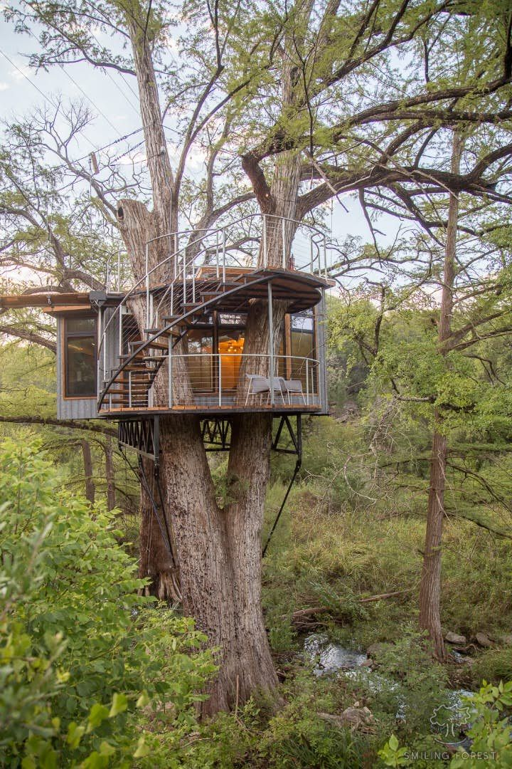 Texas treehouse doesn't scrimp on the home comforts