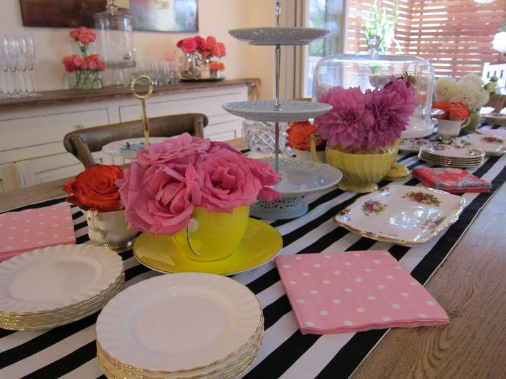 45 best images about table setting on pinterest for Kitchen table setting ideas