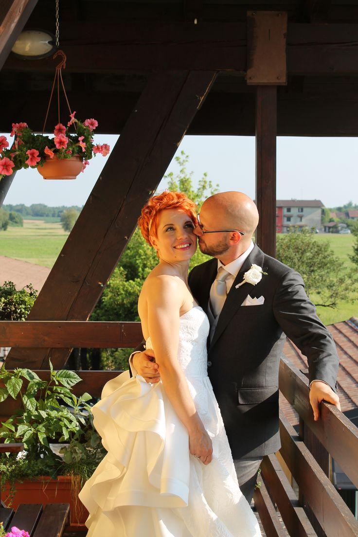 Semplicemente indimenticabile la proposta di matrimonio che Michele ha fatto alla sua Erika... ed ancor più semplice e conviviale il ricevimento di nozze!