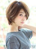 「フェアリーボブ」 ショートのヘアスタイル。柔らかい動きがポイントの大人ボブスタイル。