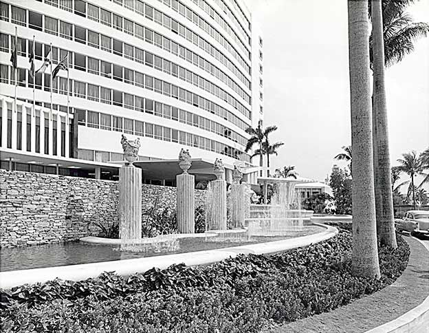 Fontainebleau Hotel Early 1960 S 44th And Collins Avenue Historic