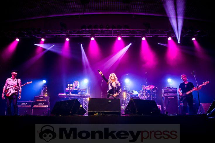 [Photos & Review] Bonnie Tyler - Live in Dortmund: http://monkeypress.de/2016/11/live/konzertberichte/bonnie-tyler-dortmund-westfalenhalle-3a-09-11-2016/