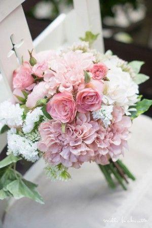 ピンクダリアのクラッチブーケ bridal bouquet