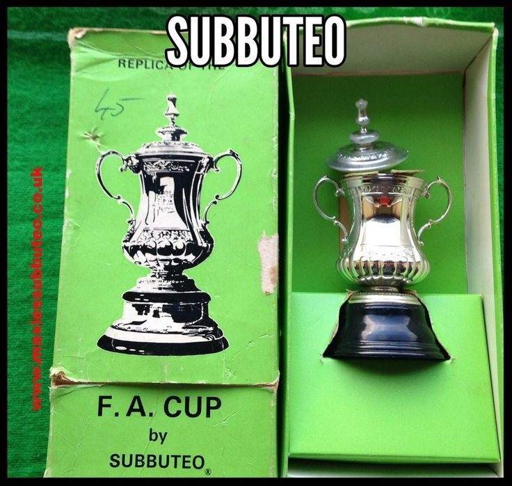 Subbuteo Tabletop Football Soccer FA Cup Trophy 1970 s Boxed