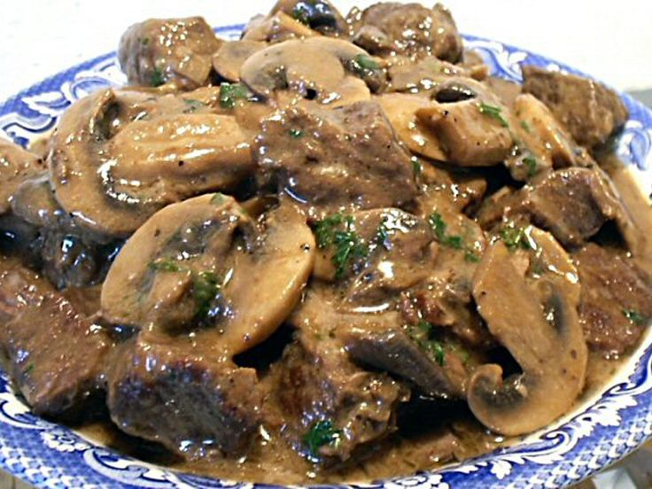 http://www.thebantingchef.co.za/recipes/meat/beefstroganoff.html