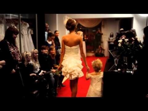 Pokaz mody ślubnej 2011 www.dorotawormuth.pl  W dniu 19 listopada 2010 w salonie sukien ślubnych Doroty Wormuth w Katowicach odbył się pokaz mody ślubnej Cymbeline, gościem specjalnym wieczoru była Madame Chantal Joubert. Prezentowane były suknie ślubne z najnowszej kolekcji Femmes 2011. Po pokazie piosenkarka i aktorka Aleksandra Nieśpielak podpisywała swoją najnowszą płytę Dzień Dobry Dniu.  Relację z tej imprezy można przeczytać w grudniowym wydaniu magazynu Silesia.