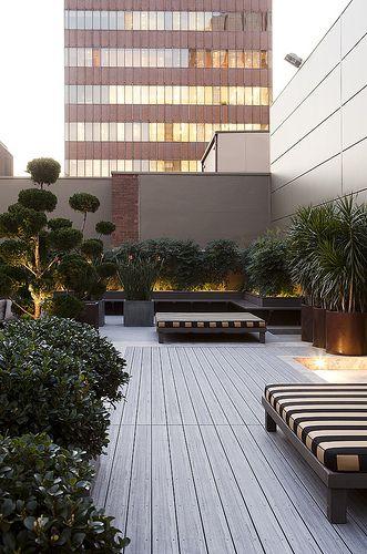 Terrasse urbaine au style patio