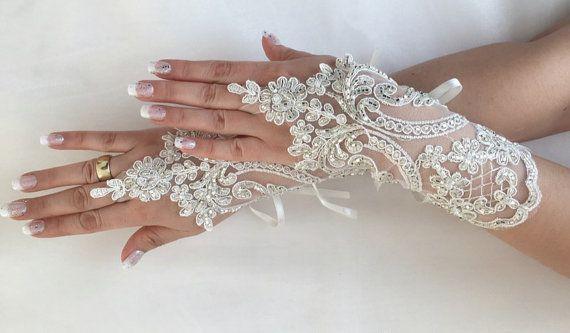 FREE SHIP Ivory Wedding gloves hand by LaceBarefootSandals on Etsy
