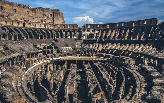 Arena der Gladiatoren, das Kolosseum in Rom http://www.italien-mag.de/2015/03/arena-der-gladiatoren-das-kolosseum-in.html