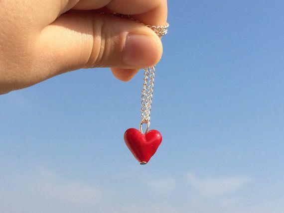 minimalist glass tiny red heart pendant necklace by amabito #italiasmartteam #etsyshop #etsy #shopping #giftidea @etsy