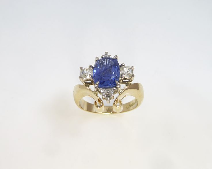 Stunning #Sapphire and #Diamond #Art Neavou #ring. #handmade with a  #vintage or #antique flare achieved through through the yellow gold filigrees, a #unique #engagement #ring