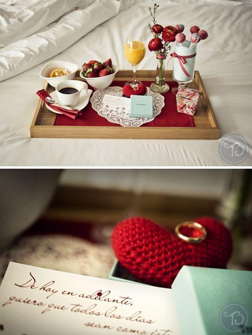 Nada como empezar el día con un buen desayuno y como no, una propuesta de matrimonio