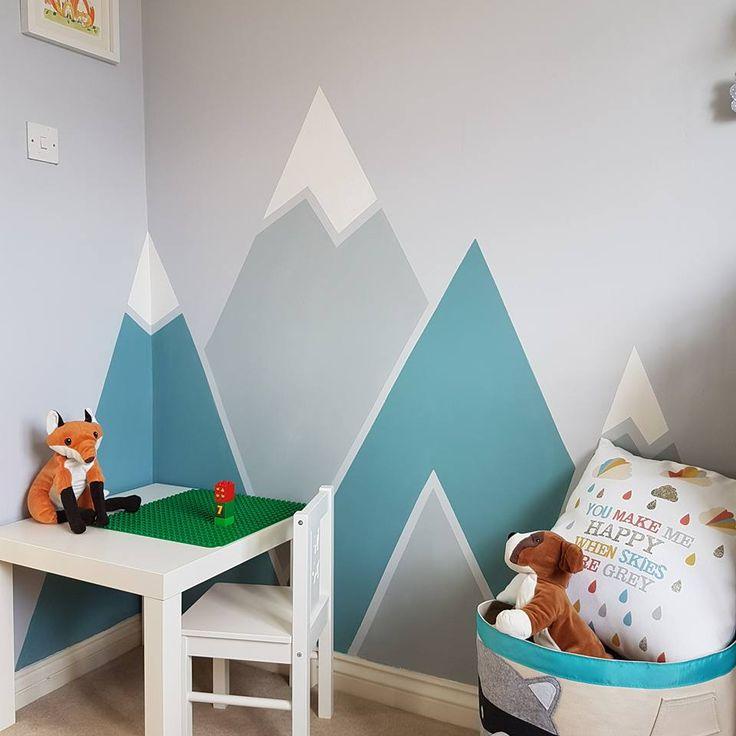 Alfies Schlafzimmer ist renoviert. Alles mit £ 6 im Wert von Tester Töpfen und etwas Froschband gemacht. Wirklich zufrieden damit. Die Farben sind Homebase eigenen Dove Grey und R …