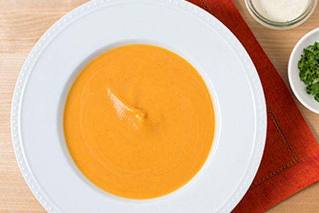Cette soupe aux parfums du Sud-Ouest américain est des plus onctueuses et savoureuses grâce à la vinaigrette Ranch.