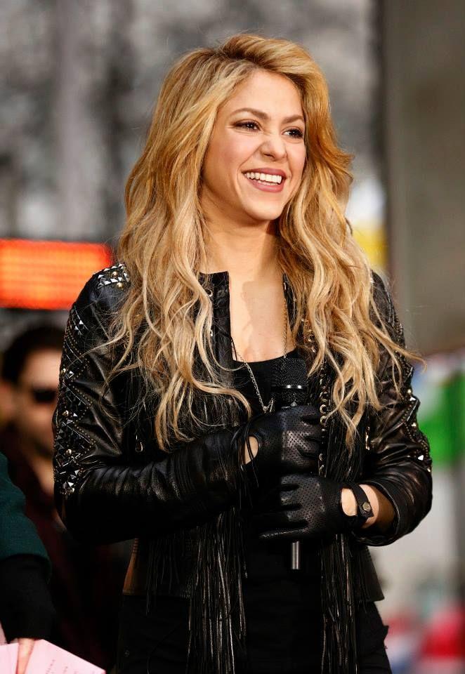 Shakira on the Plaza!