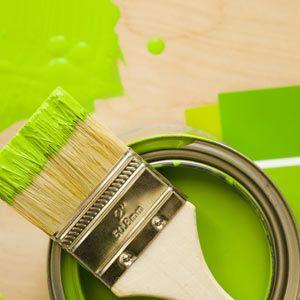 green paint / zielona farba