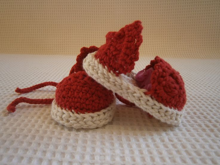 crocheted sandals for babies https://www.facebook.com/kalypso.h