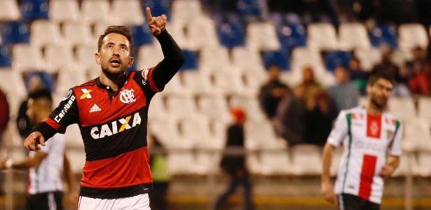 Everton Ribeiro pede para cobrar pênalti e vibra com 1º gol pelo Fla