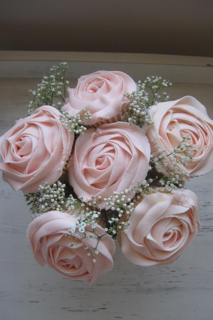 Mulberry Teacup; Cupcake Bouquet (BridesMagazine.co.uk)