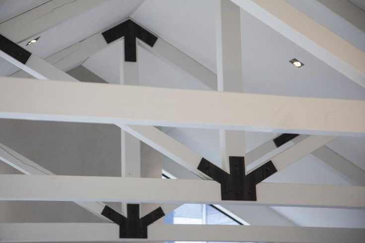 Arthur's Point House   Exposed Trusses, Black and White Trusses, Architecture Inspiration, Architectural Home ideas   NZ Homes   Build me.   www.buildme.co.nz  