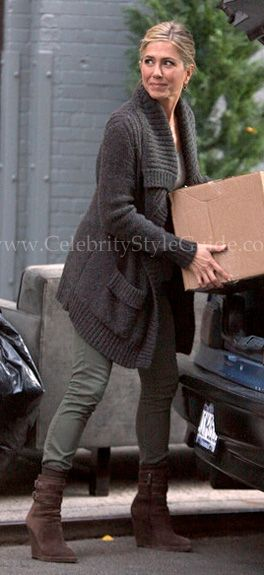 Jennifer Aniston - Oversized Sweater and Boots - Creator/Designer: Vince, Item: Oversized Pocket Sweater Coat