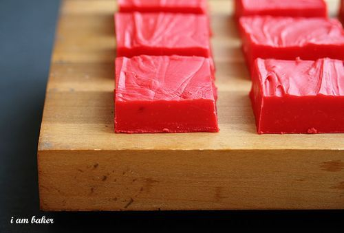 Red Velvet Fudge. I'm seriously pinning this as I'm sitting in the gym.