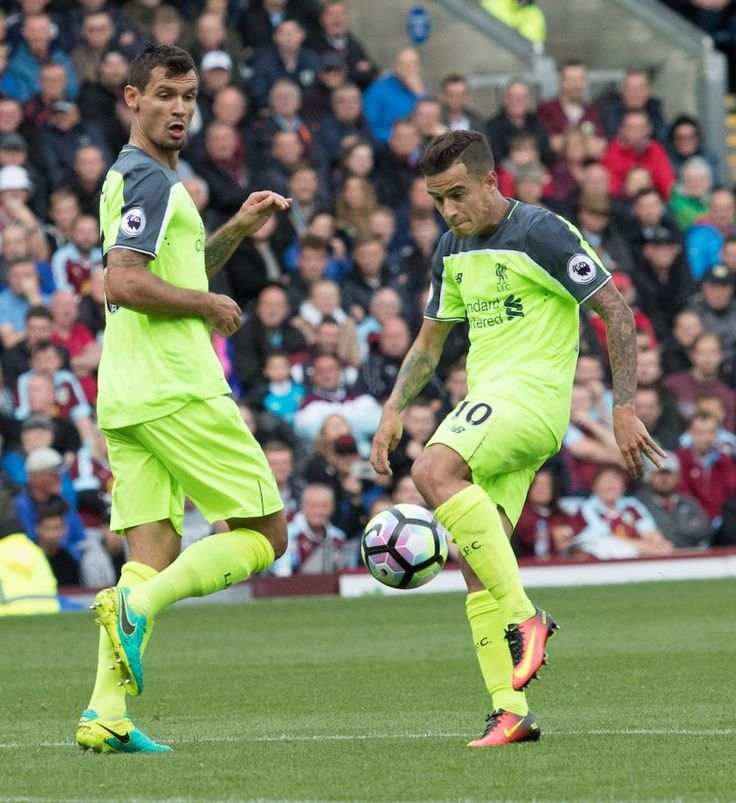BURNLEY, ENGLAND - Saturday, August 20, 2016: Liverpool's Philippe Coutinho in…
