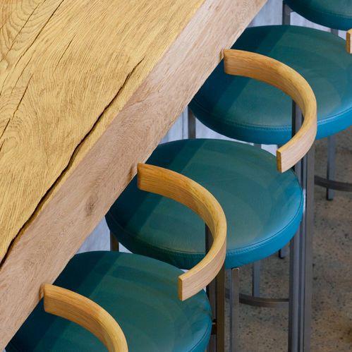 1000 ideen zu moderner barhocker auf pinterest hocker. Black Bedroom Furniture Sets. Home Design Ideas