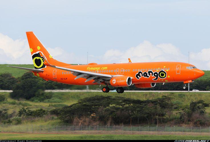 Boeing 737-8BG..