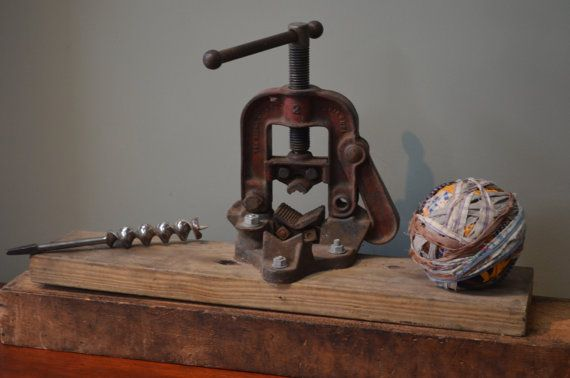 $45.90  Pipe Vise Industrial Decor The Ridge Tool Co Elyria Ohio Antique Craftman's Tool Primitive Decor c 1930 I Ship Internationally