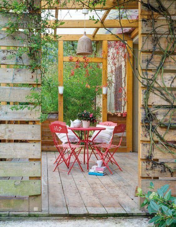 Busca imágenes de Casas de estilo rústico: Porche. Encuentra las mejores fotos para inspirarte y crea tu hogar perfecto.