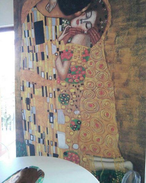 Ünlü Ressamların Sanatsal Duvar Kağıdı Modelleri - The Kiss
