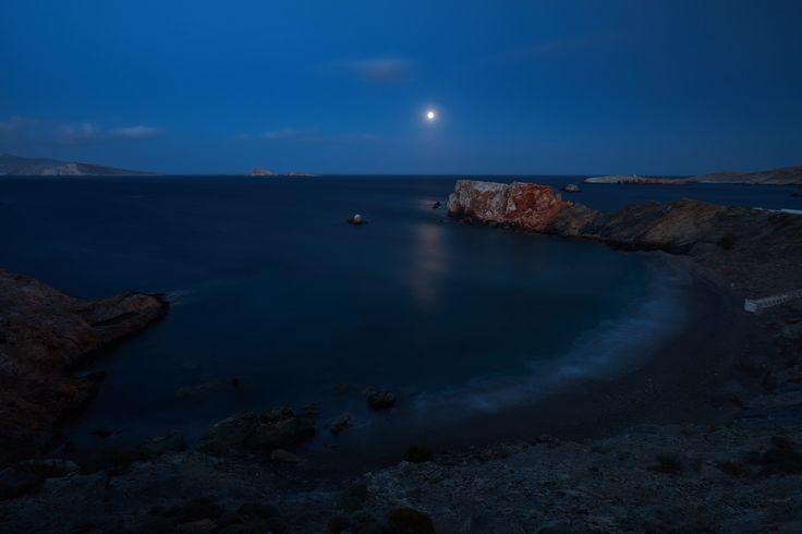 https://flic.kr/p/Ci5PTL | 5 Islands: Folegandros – Vardia beach | Cycladic Islands, Spring 2016 (Tinos, Serifos, Sifnos, Milos, Folegandros)  Folegandros, South Aegean, Greece