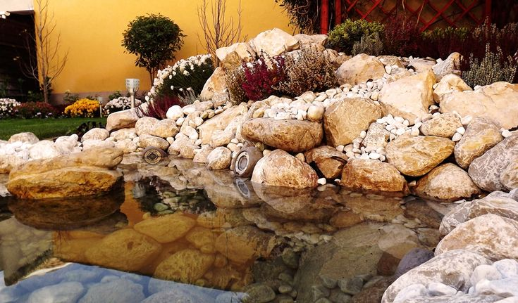 rock garden with mini pond- sziklakert mini tóval