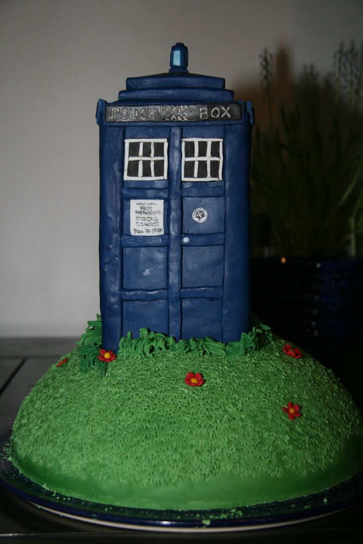 32 best Doctor whoSpace cakes images on Pinterest Desserts