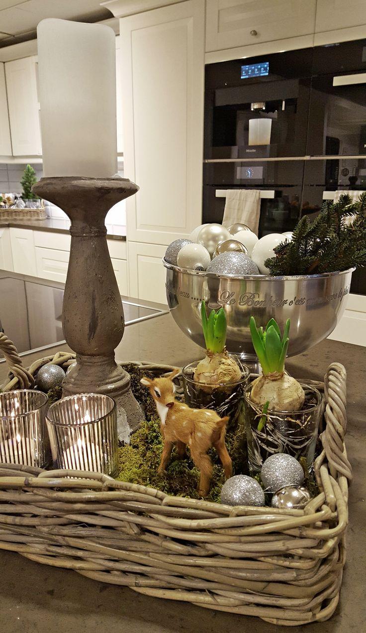 Studio Sigdal Ålesund Herregård Palett Styling: Amalie Fagerli  Christmas, Kitchen, Nordic christmas, Table setting