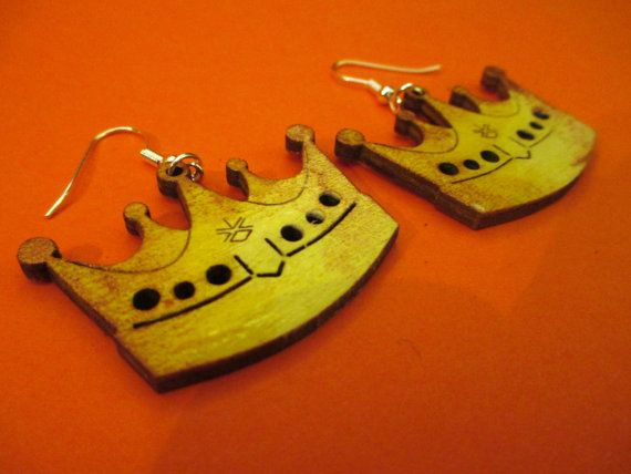Originals wooden earrings shape of CROWN laser by CreazioniDalCelo