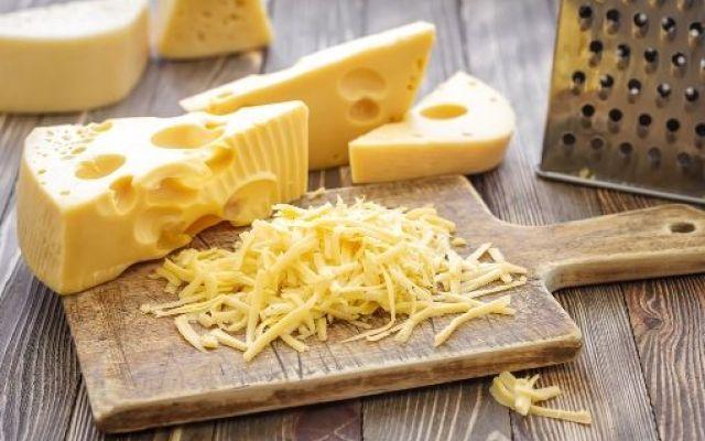 Colesterolo alto: la scienza scagiona il formaggio! Da oggi gli esperti appaiono più flessibili: secondo una ricerca danese i formaggi non sol colesterolo formaggio colesia ibsa