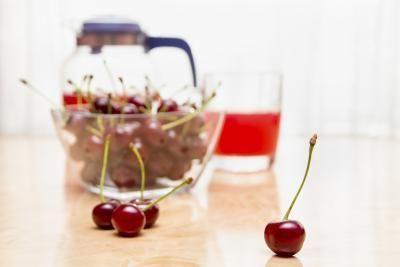 The Health Benefits of Black Cherry Juice | LIVESTRONG.COM