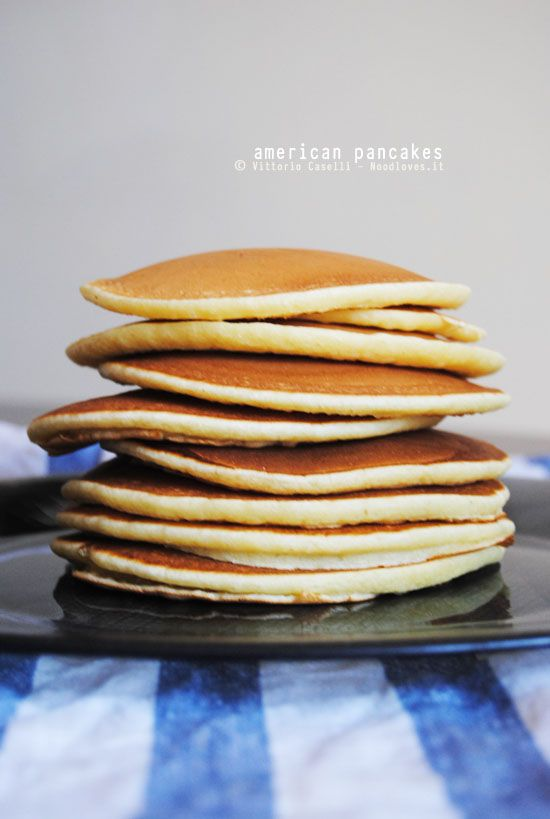 Appena li assaggerete, la mattina non vedrete più l'ora di saltare giù dal letto.. Provate la ricetta originale dei Pancakes! Ottimi sia dolci che salati.