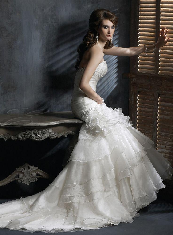 15 best Wedding Dresses images on Pinterest | Wedding frocks ...