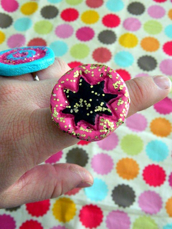 salt dough jewelry, pop art rings from flour, salt & water homeheartcraft.com