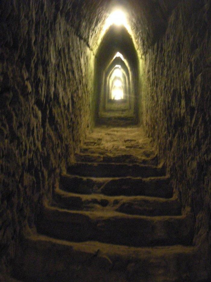 Underground tunnel - creepy!