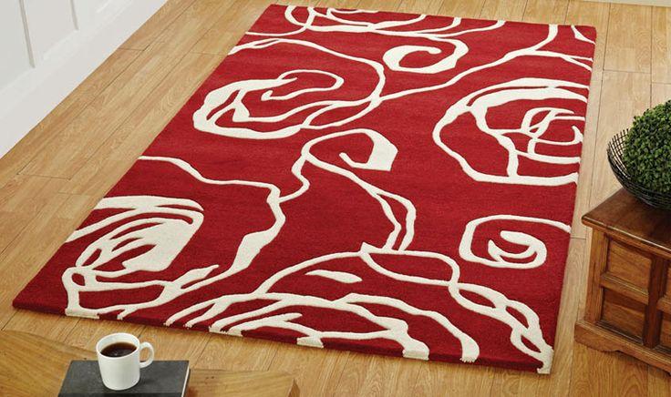 Tappeto rosso con disegno bianco