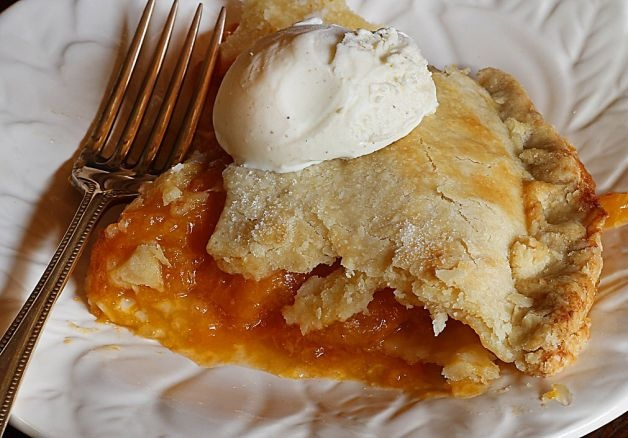 The Most Delicious Peach Pie Inspired by Marion, Mama & My Love of Butter Photo: Robert McMahan / SF
