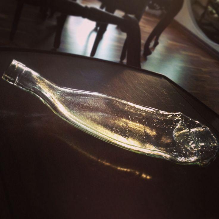 Första alstret i nya formen❤️ Återvunnen flaska fusad i form. #remake #glasfusing #fusing #återvinner #återvunnet