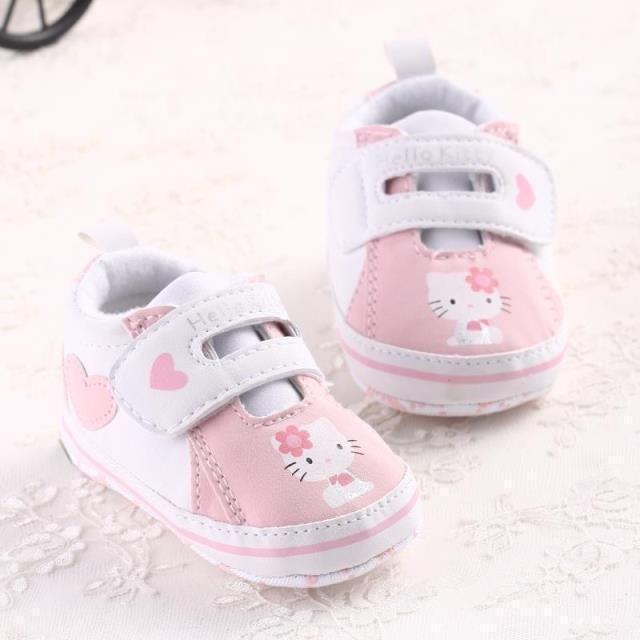 bebek ayakkabıları ilk yürüyüşe hello kitty kız ayakkabıları ücretsiz kargo çocuklar kanca döngü ilkbahar sonbahar sevimli kaymaz rahat rahat(China (Mainland))
