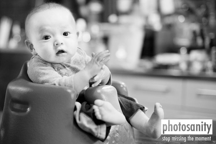 10 Ideas for Photographing Your 3-6 Month Baby | 24/7 Mom