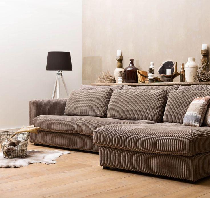 Hoekbank Ravenia in taupe ribstof past perfect in een landelijke woonkamer