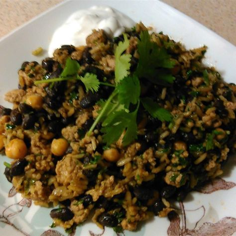 Middle Eastern rice with turkey, black beans and chickpeas ...